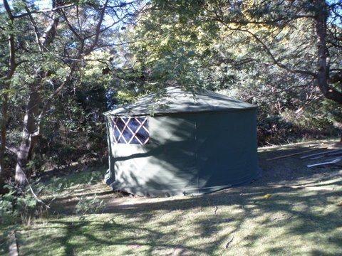 yurt, alternative living, alternative lodging